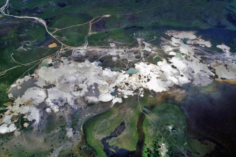 Imágenes de la minería ilegal en el Parque Nacional Canaima, en Venezuela. Foto: Charles Brewer Carias